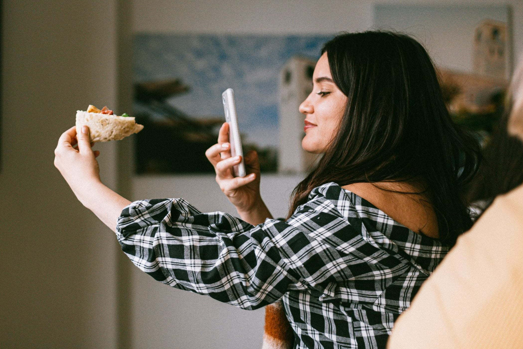 influencer taking food picture